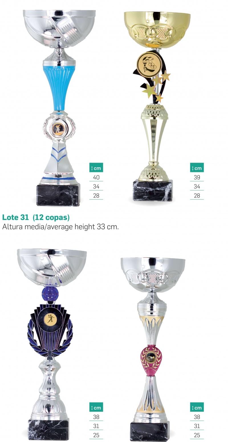 Lote tres trofeos tipo copa 20, 17 y 15 cm